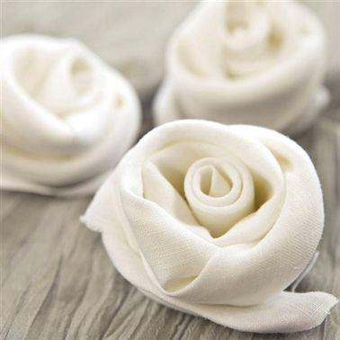 Pliage serviette fleur rose