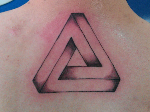 Triangle de penrose tatouage