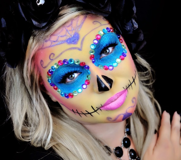 Maquillage halloween femme squelette mexicain