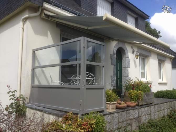 Brise vent plexiglas pour terrasse