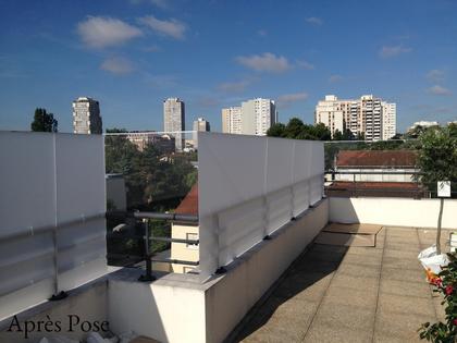 Brise vent en plexiglas pour terrasse
